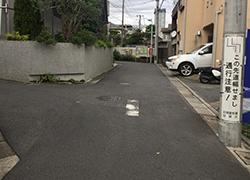 真直ぐ進み2つ目のT路地を左折し道なりに進みます